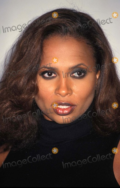 Lisa Nicole Carson Photo - 56th Golden Globe Awards Los Angeles CA 01-24-1999 Lisa Nicole Carson Photo by Lisa Rose-Globe Photos