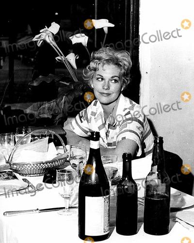 Kim Novak Photo - Kim Novak 1959 PipGlobe Photos Inc Kimnovakretro