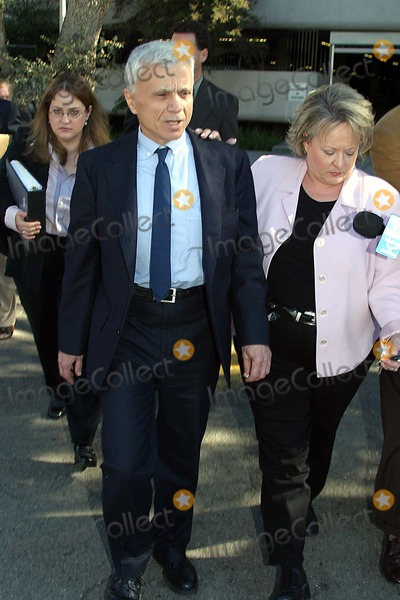 Thomas Mesereau Jr Photo - the Robert Blake Murder Trial Was Postponed Indefinitely Thursday 02052004 of Irreconcilable Differences Between the Lawyer Thomas Mesereau Jrand Robert Blake Photo by Milan RybaGlobe Photos Inc2004 Robert Blake