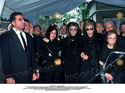 As Yet Photo - IMAPRESS PH  CLEMOT  BENITOFUNERAL OF PRINCESS LEILA PAHLAVI IN PARIS 16TH JUNE 2001 IN TOTAL BEREAVEMENT THE EX-EMPRESS OF IRAN FARAH PAHLAVI BURIED HER DAUGHTER IN THE PASSY CEMETERY IN PARIS LEILA PAHLAVI 31 PASSED AWAY A WEEK AGO IN LONDON THE OFFICIAL COMMUNIQUE WRITTEN BY HER MOTHER INDICATED THAT SHE PASSED AWAY IN HER SLEEP BUT THE EXACT CIRCUMSTANCES OF THE DEACEASED REMAIN AS YET UNKNOWNREZA II PRINCE ALI REZA PRINCESS YASMINE PRINCESS FARAHNAZ EMPRESS FARAH AND PRINCESS ASHRAFCREDIT IMAPRESSCLEMOTBENITOGLOBE PHOTOS INC