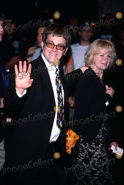 Allan Collins Photo - Road to Perdition Premiere After Partynyc 071002 Photo by Rick MacklerrangefinderGlobe Photos Inc 2002 Max Allan Collins