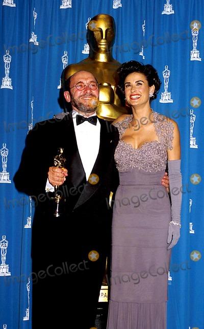 Albert Wolsky Photo - Albert Wolsky Demi Moore Academy Awards 1992 Oscars Phil RoachipolGlobe Photos Inc
