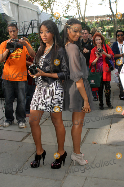 Vanessa Simmons Photo - Mercedes-benz Fashion Week Pamela Roland Spring 2009 Collection Bryant Park New York City 09-10-2008 Photo by Barry Talesnick-ipol-Globe Photos Angela and Vanessa Simmons