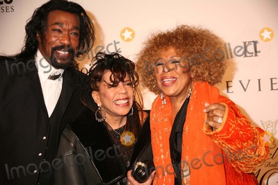 Ashford  Simpson Photo - The 10th Annual Gp Foundations Angel Ball to Benefit Cancer Research Marriott Marquis Hotel NYC October 29 07 Photos by Sonia Moskowitz Globe Photos Inc 2007 K55370smo Roberta Flack with Nick Ashford and Valerie Simpson