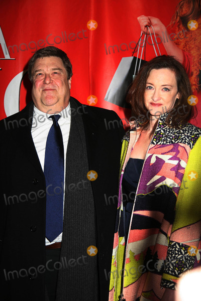John Goodman Photo - Confessions of a Shopaholic World Premiere Ziegfeld Theater New York City 02-05-2009 K60980smo Photos by Sonia Moskowitz Globe Photos Inc 2009 Joan Cusack and John Goodman