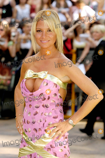 Alex Best Photo - Alex Best Charlie  the Chocolate Factory Uk Premiere-odeon Leicester Square London Uk 7-17-2005 Photo Byalex Pates-globelinkuk-Globe Photos Inc 2005