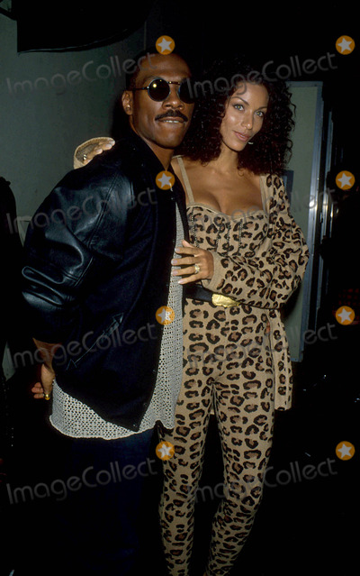 NICOLE MITCHELL Photo - Eddie Murphy with His Wife Nicole Mitchell 1993 L5754lr Photo by Lisa Rose-Globe Photos Inc