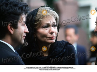 As Yet Photo - IMAPRESS PH  BENITO  CLEMOTFUNERAL OF PRINCESS LEILA PAHLAVI IN PARIS 16TH JUNE 2001 IN TOTAL BEREAVEMENT THE EX-EMPRESS OF IRAN FARAH PAHLAVI BURIED HER DAUGHTER IN THE PASSY CEMETERY IN PARIS LEILA PAHLAVI 31 PASSED AWAY A WEEK AGO IN LONDON THE OFFICIAL COMMUNIQUE WRITTEN BY HER MOTHER INDICATED THAT SHE PASSED AWAY IN HER SLEEP BUT THE EXACT CIRCUMSTANCES OF THE DEACEASED REMAIN AS YET UNKNOWNEMPRESS FARAH RECEIVES CONDOLENCES FROM A MOURNERCREDIT IMAPRESSCLEMOTBENITOGLOBE PHOTOS INC