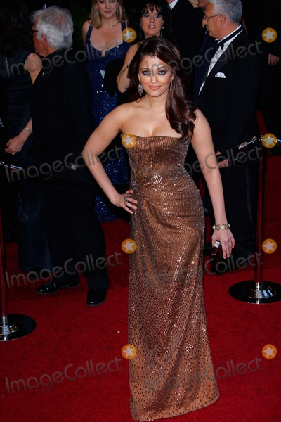 Aishwarya Ray Photo - Aishwarya Rai Actress attends the Red Carpet Arrivals For the 83rd Annual Academy Awards the Oscars 2011 at the Kodak Theatre in Los Angeles photo by Richard Sellers-allstar - Globe Photos Inc