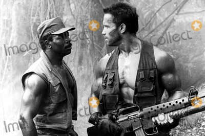 Carl Weathers Photo - Carl Weathers and Arnold Schwarzenegger in  Predator 1987 Supplied by Globe Photos Inc