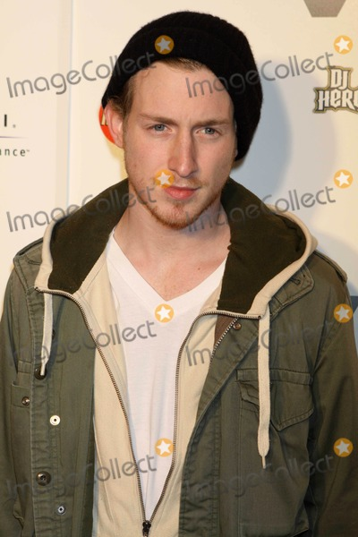 Asher Roth Photo - Rapper Asher Roth at Vevo Launches Premiere Destination For Premium Video at Skylight Studio 12-9-09 Photos by John Barrett-Globe Photosinc2009