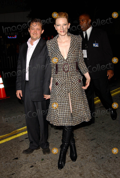 Andrew Upton Photo - Veronica Guerin Premiere at the Bruin Theatre in Westwood CA 1082003 Photo by Fitzroy BarrettGlobe Photos Inc2003 Cate Blanchett and Husband Andrew Upton