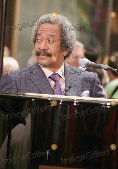 Allen Toussaint Photo - Allen Toussaint Performs in Support of Make a Difference Today the Hurricane Relief Initiative Rockefeller Center New York City 10-03-2005 Photo by Rick Mackler-rangefinder-Globe Photos 2005 Allen Toussaint
