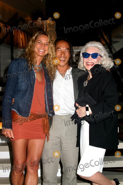 Ann Slater Photo - Donna Karan Celebrates the Launch of Moving Toward Balance 8 Weeks of Yoga with Rodney Yee Donna Karan New York City 05252004 Photomitchell Levy Rangefinders  Globe Photos Inc 2004 Rodney Yee with His Girlfriend Colleen and Anne Slater
