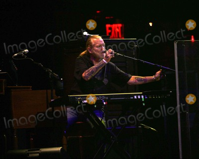 Allman Brothers Photo - The Allman Brothers Perform in Concert at the Beacon Theater in New York on March 10 2011 Gregg Allman photo by Sharon Neetlesglobe Photos Inc