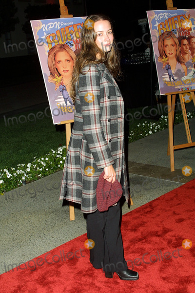 Amy Acker Photo - Buffy the Vampire Slayer the Musical Episode Screening at Paramount Pictures Los Angeles CA Amy Acker Photo by Fitzroy Barrett  Globe Photos Inc 11-02-2001 K23265fb (D)