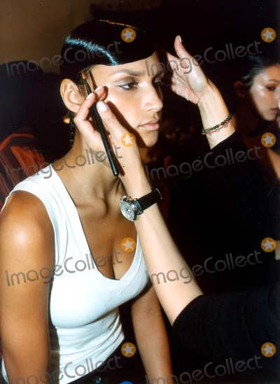 Alvin Valley Photo - Backstage at Alvin Valley 2004 Spring Fashion Show Bryant Park  NYC 09192003 Photo by Kenneth RummentsGlobe Photosinc Backstage