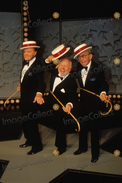 Bob Hope Photo - George Burns with Bob Hope and Mickey Rooney N3136 Supplied by Globe Photos Inc