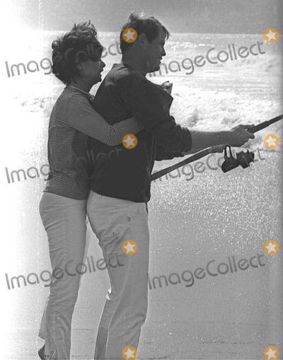 Troy Donahue Photo - Suzannepleshetteretro Suzanne Pleshette Troy Donahue at Redondo Beach 20582 Photo by Don Ornitz-Globe Photos 02-