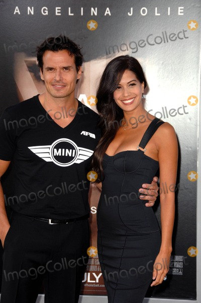 Antonio Sabato Jr Photo - Antonio Sabato Jr attending the Los Angeles Premiere of Salt Held at the Graumans Chinese Theatre in Hollywood California on July 19 2010 Photo by D Long- Globe Photos Inc 2010