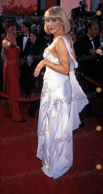 Courtney Love Photo - 69th Academy Awards Courtney Love K8146lr Photo by Lisa RoseGlobe Photos Inc