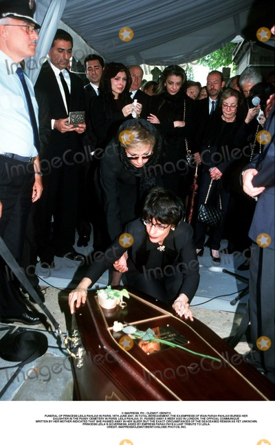 As Yet Photo - IMAPRESS PH  CLEMOT  BENITOFUNERAL OF PRINCESS LEILA PAHLAVI IN PARIS 16TH JUNE 2001 IN TOTAL BEREAVEMENT THE EX-EMPRESS OF IRAN FARAH PAHLAVI BURIED HER DAUGHTER IN THE PASSY CEMETERY IN PARIS LEILA PAHLAVI 31 PASSED AWAY A WEEK AGO IN LONDON THE OFFICIAL COMMUNIQUE WRITTEN BY HER MOTHER INDICATED THAT SHE PASSED AWAY IN HER SLEEP BUT THE EXACT CIRCUMSTANCES OF THE DEACEASED REMAIN AS YET UNKNOWNPRINCESS LEILAS GOVERNESS AIDED BY EMPRESS FARAH PAYS A LAST TRIBUTE TO LEILACREDIT IMAPRESSCLEMOTBENITOGLOBE PHOTOS INC