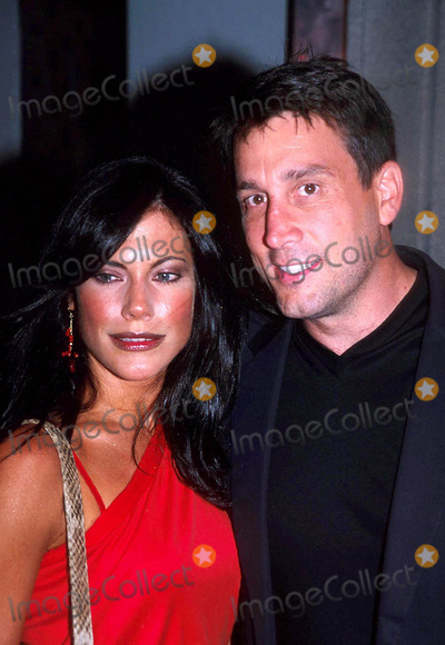 Cam Neely Photo - Sd0619 Comedy Central Roast of Denis Leary Hammerstein Ballroom New York City Photojohn Krondes  Globe Photos Inc 2003 Cam Neely and Paulina