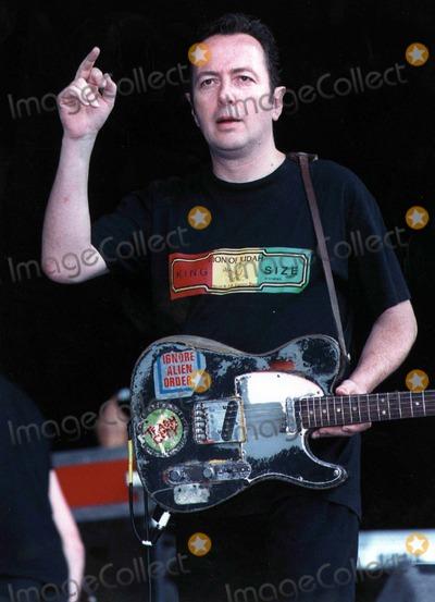 Joe Strummer Photo - Joe Strummer of the Clash Photo by Allstar-Globe Photos