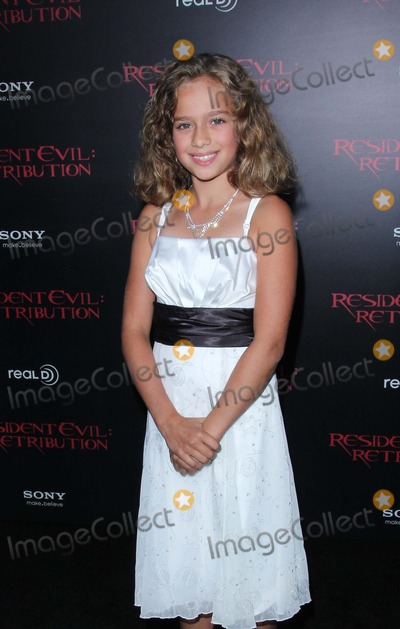 Aryana Engineer Photo - Aryana Engineer attends Premiere of Screen Gems Resident Evil Retribution on 12th September 2012 at Regal Cinemas LA Theatrelos Angeles Causaphoto TleopoldGlobephotos