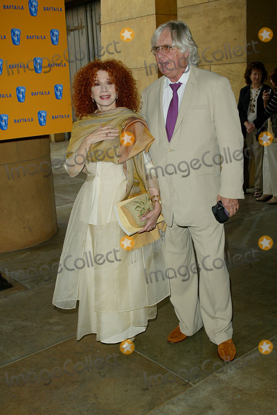 Julia Migenes Photo - Baftala Honors Filmmaker John Schlesinger at American Cinematheques Egyptian Theatre in Los Angeles CA Julia Migenes and Peter Madak Photo by Fitzroy Barrett  Globe Photos Inc 5-19-2002 K25035fb (D)