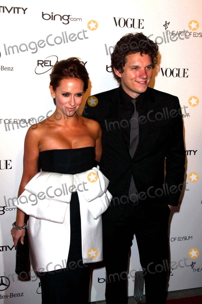 Alex Beh Photo - Actors Jennifer Love Hewitt and Alex Beh Arrive at the Art of Elysium Heaven Gala at California Science Center in Los Angeles USA on 15 January 2011 photo by Alec Michael - Globe Photos Inc 2011