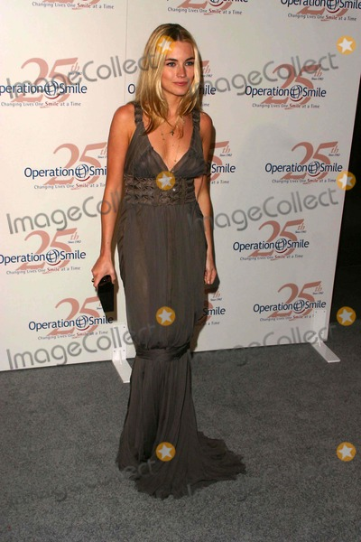 Amanda Hearst Photo - The Operation Smile 25th Anniversary Smile Collection Couture Event at 7 World Trade Center - New York City 7 World Trade Center-nyc-051107 Amanda Hearst Photo by John B Zissel-ipol-Globe Photos Inc 2007