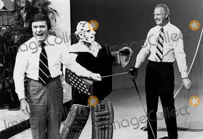 Jamie Farr Photo - The Mike Douglas Show 1976 Mike Douglas Jamie Farr and Spiro Agnew Globe Photos Inc Mikedouglasretro