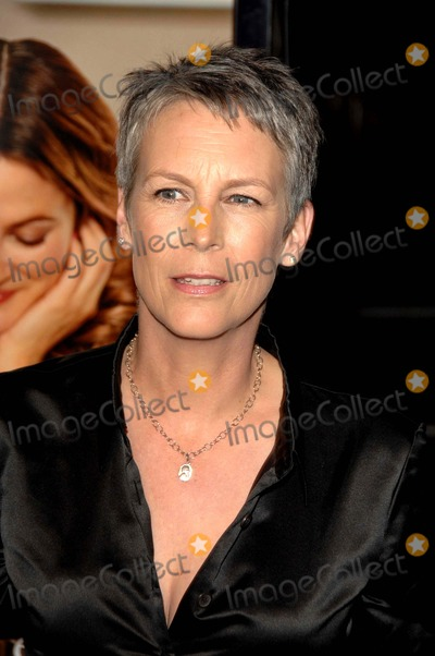 Jamie Lee Curtis Photo - World Premiere of Music and Lyricsgraumans Chinese Theatrehollywood CA 1-7-07 Photodavid Longendyke-Globe Photos Inc2007 Image Jamie Lee Curtis