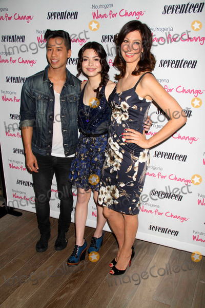 Ann Shoket Photo - Miranda cosgroveann shoketjared Eng at Seventeen magazines fivepretty Amazing Real Girl Finalists Luncheon at Mondrian Hotel S0ho 6-25-11 photo by John barrettglobe Photos inc2011