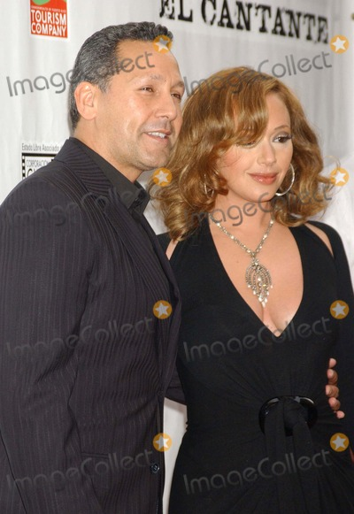 Leah Remini Photo - El Cantante New York Premiere Amc Theater(times Sq) NYC 07-26-2007 Photo by Ken Babolcsay-ipol-Globe Photos Inc 2007