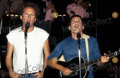Art Garfunkel Photo - Paul Simon _Art Garfunkel Photo by Richard Corkey Globe Photosinc