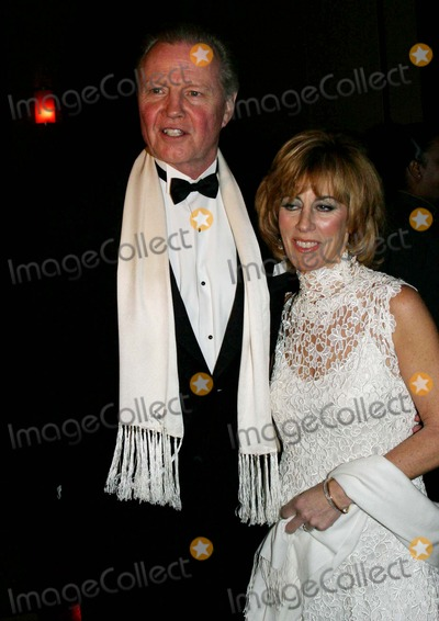 Nancy Spielberg Photo - Children at Heart Gala-celebrity Fantasy Auction at Pier 60  New York City 11-22-2004 Photo by Barry TalesnickipolGlobe Photosinc Jon Voight_nancy Spielberg