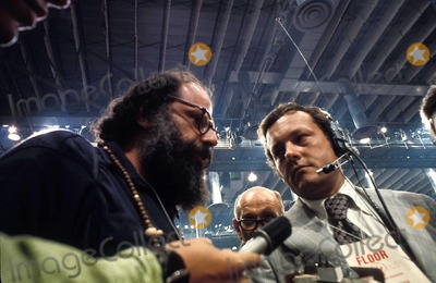 Allen Ginsberg Photo - Allen Ginsberg Democratic National Convention Miami Florida 1972 Photo Tommy Noonan  Globe Photos Inc