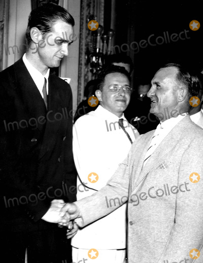 Howard Hughes Photo - Howard Hughes Being Congratulated by Gen Oscar Westover on His Round the World Flight Washington DC 7211938 Supplied by Globe Photos Inc Howardhughesretro