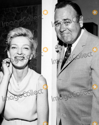 Jackie Gleason Photo - Jonathan Winters and Wife Eileen at Jack Haleys Party in Honor of Jackie Gleason Photo Globe Photos Inc 1968 Jonathanwintersretro