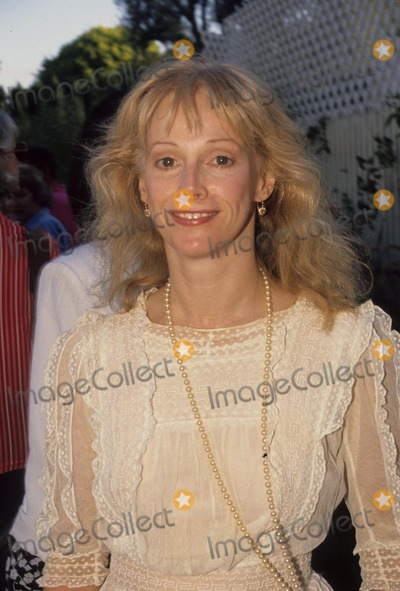 Sondra Locke Photo - Sondra Locke L0390 Photo by Jd Ligier-Globe Photos Inc