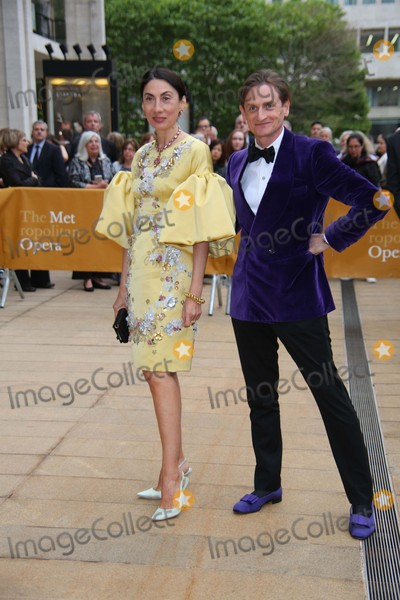Anh Duong Photo - Anh Duong and Hamish Bowles Attend the American Ballet Theater 75th Anniversary Diamond Jubilee Spring Gala Sponsored by Escada the Metropolitan Opera House Lincoln Center NYC May 18 2015 Photos by Sonia Moskowitz Globe Photos Inc