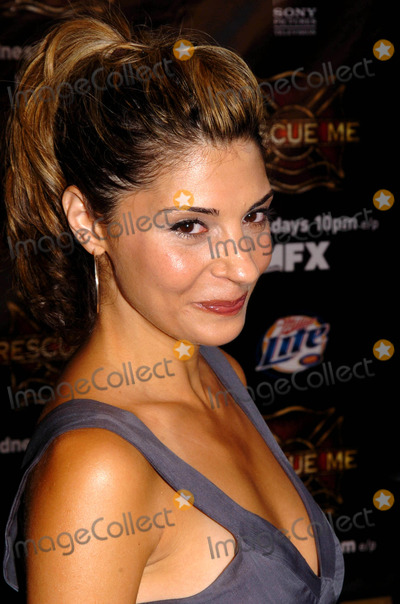 Callie Thorne Photo - Premiere Screening of the New Fx Original Drama Series Rescue ME at Loews Lincoln Square Theaters  New York City 07192004 Photo by John KrondesGlobe Photosinc Callie Thorne