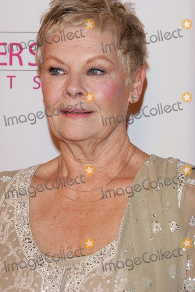 Judi Dench Photo - Mrs Henderson Presents - Premiere - Fine Arts Theater Beverly Hills California - 12-05-2005 - Photo by Nina PrommerGlobe Photos Inc 2005 K45869np Judi Dench
