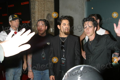 Dave Navarro Photo - Dave Navarro and Camp Freddy (Music Band) K26970mr Blender Party Ivar Club Hollywood CA October 30 2002 Photo by Milan RybaGlobe Photos Inc
