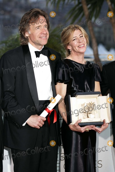 Bill Pohlad Photo - Bill Pohlad Dede Gardner Accepting the Golden Palm on Behalf of Terrence malikwinners photocall64th Cannes Film festivalcannes francemay 22 2011photo Roger Harvey - Globe Photos Inc 2011