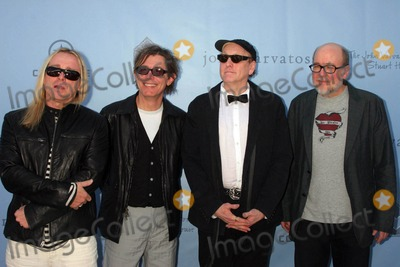 Robin Zander Photo - the John Varvatos 6th Annual Stuart House Benefit Hosted by Cindy Crawford and Rande Gerber John Varvatos Boutique West Hollywood California 03-09-2008 Robin Zander and Band Members From Cheap-trick Photo Clinton H Wallace-photomundo-Globe Photos Inc
