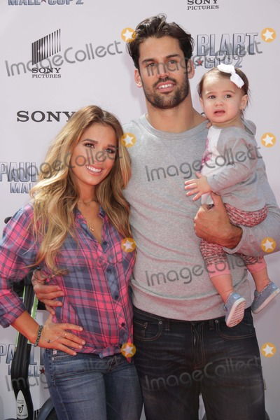 Eric Decker Photo - Jessie James (NY Jets)eric Decker at World Premiere of Paul Blart Mall Cop 2 at Amc Loews Lincoln Square 4-11-2015 John BarrettGlobe Photos