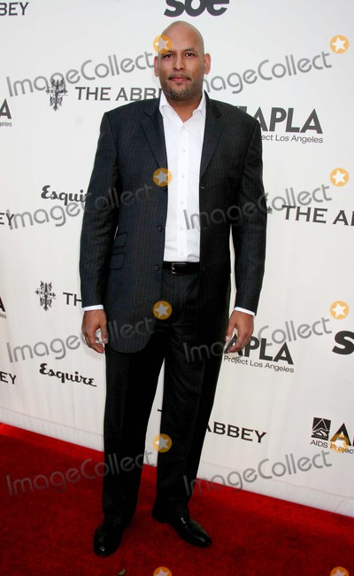 John Amaechi Photo - the Envelope Please 6th Annual Oscar Viewing Party to Benefit Apla Hosted by Jennifer Love Hewitt the Abbey West Hollywood CA 02-25-2007 John Amaechi Photo Clinton H Wallace-photomundo-Globe Photos Inc